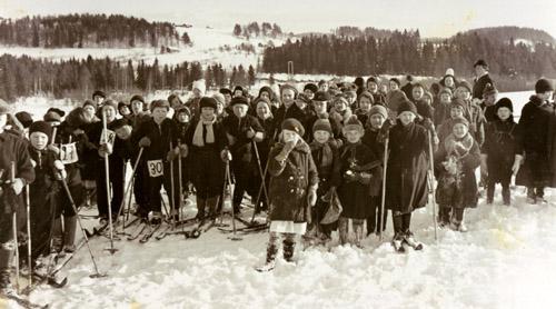 Koululaisten hiihtokilpailu Värtsilässä 15.2.1938