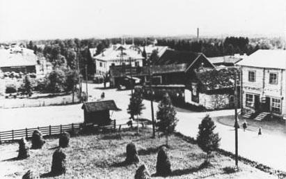 Värtsilän keskustan torialuetta ja kioski v. 1939. Kuva Aarre Partanen.