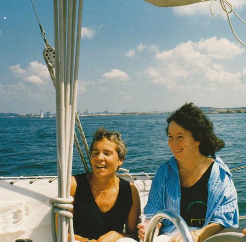 Maija-Liisaa ja siskoaan ihan naurattaa.