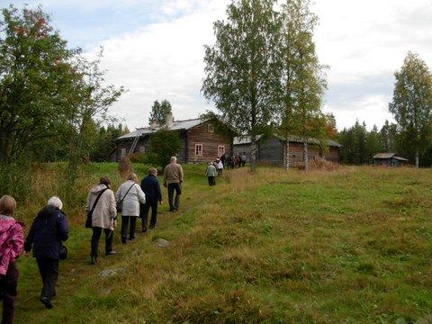 Mäkeä ylös Murtovaaran laelle.