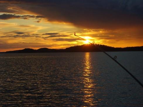 Auringon lasku Koitereella : Kuvannut  Ilmari