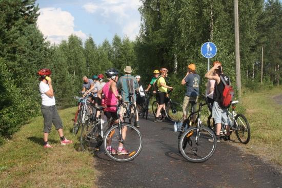 Tour de Värtsilä pyöräilyn taukopaikka Patsolan mäellä