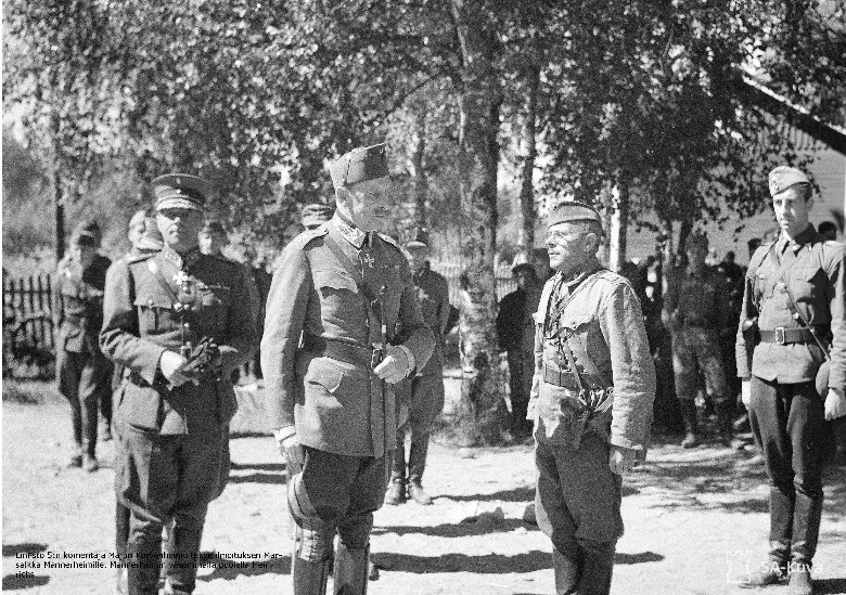 Mielenkiintoisimmat kuvat löytyvät Marsalkka Mannerheimin vastaanottamasta saksalaisen jalkaväkidivisioonan 163. ohimarssista 18.7.1941. Kuva: SA-kuva