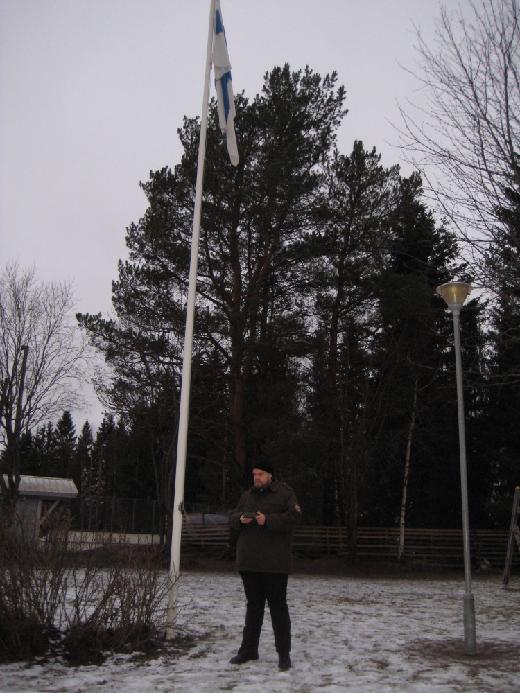 Antti-pappi esitteli ukkinsa sodasta tuoman rasian