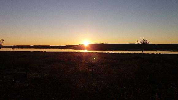 aurinko-nousee-kuorboaivin-takaa