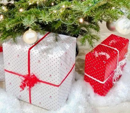 joulukuusi-ja-lahjat